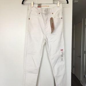 NWT Levi's Mile High Super Skinny White Jeans